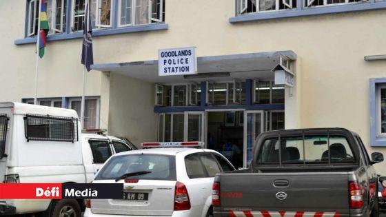 Virée nocturne en plein couvre-feu : un chauffeur de taxi arrêté avec de la drogue