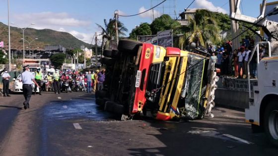 Accident à Camp-Chapelon : les freins ont lâché, le chauffeur du poids lourd renversé montrait des signes de détresse